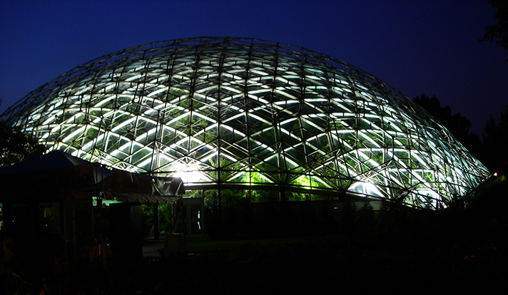 DSC07106-climatron-at-night.jpg